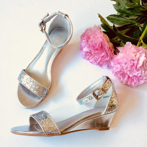 "13a76b024 Dream Pairs Shoes - Dream Pairs NWOT ""Ingrid"" glitter sandals"